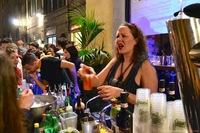 4-notte-bianca-bartender.jpg