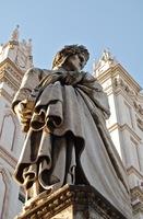 statue-of-dante.JPG